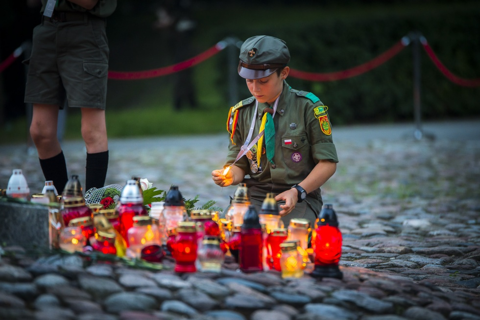 scout lighting candles