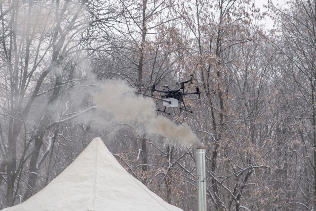 drone monitoring the level of smog