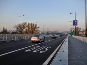 Motorcycles allowed to use bus lanes